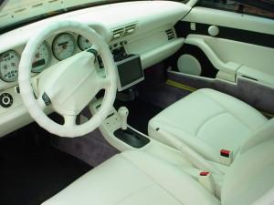 993内装白